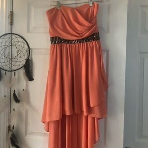 Dresses & Skirts - Boutique peach high-low strapless dress!